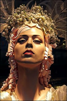Mannequin coiled paper hair