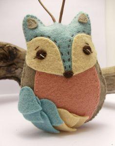 Felt Fox Ornament van BananaBugAndZod op Etsy