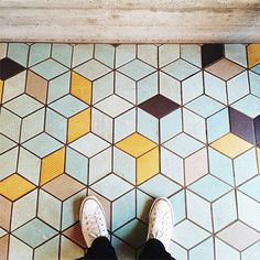 """Tumbling Blocks found at Den coffee shop in Brooklyn. cubical pattern with colored """"shade. Deco Design, Küchen Design, House Design, Design Ideas, Floor Design, Tile Design, Geometric Tiles, Geometric Patterns, Geometric Graphic"""