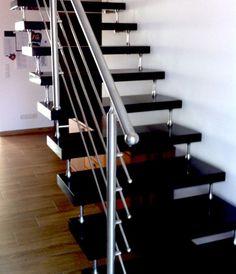 Freitragende Treppe Granit Bolzentreppe mit Edelstahlgeländer
