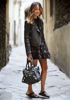 um, i hella love this outfit - esp. the shoes! Wilfried Black Floral Trapeze Hem Little Dress by Sincerely Jules Trend Fashion, Fashion Mode, Look Fashion, Womens Fashion, Fashion Bloggers, Daily Fashion, Fashion Tips, Looks Style, Looks Cool