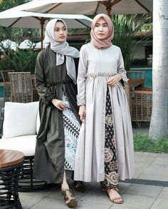 Nama barang : faulina dress army cream Bahan : balotelly Size : L Harga : Army Clothes, Clothes For Women, Figure Competition, Batik Dress, Mocca, Hijab Outfit, Hijab Fashion, Blouse Designs, Your Style