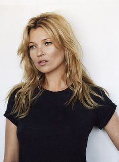 Trendy Long Hair Women's Styles Kate moss hairstyle to copy now. Long hair with waves. Blonde Fringe, Beauté Blonde, Cara Delevingne, Kate Moss Hair, Kate Moss Style, Moss Fashion, Queen Kate, Mode Plus, Winter Mode