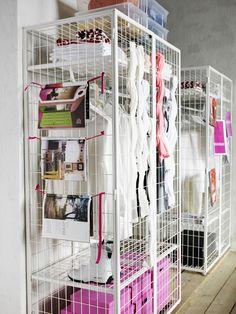 Nouvelle collection Ikea 2015 : pratique, l'armoire grillage / 2015 Ikea Catalog : wire wardrobe. Plus de photos sur Côté Maison http://petitlien.fr/7dwt
