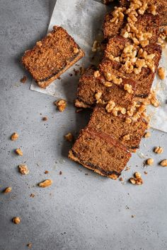 This fig cake is loaded with molasses, spices, and fig paste, it is the perfect soft and tender companion to a crumbly and buttery oat crust. And in addition, to bring it all to a perfect harmony are some walnuts in honey syrup. Fig Recipes, Best Dessert Recipes, Baking Recipes, Sweets Recipes, Molasses Cake, Molasses Recipes, Easy No Bake Desserts, Fun Desserts, Fig Cake