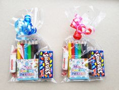 Treat with pencils and candies- Treat with pencils and candies - - Obst Birthday Party Goodie Bags, Kid Party Favors, Party Bags, Diy Birthday, Birthday Gifts, School Gifts, Student Gifts, Eid Crafts, Baby Party