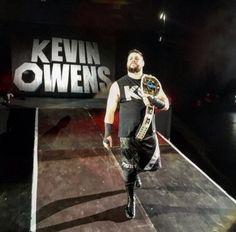 Owens at a WWE House Show Wwe 2k, Lucha Underground, Kevin Owens, Wwe Photos, Wwe Superstars, Champion, Punk, Sports, Wrestling