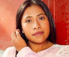 Yalitza Aparicio - Beautiful Native American, exactly how I like my native woman. Beautiful Mexican Women, Beautiful People, Beautiful Women, Native American Girls, Native American Beauty, Curvey Women, Mexican Actress, Native Indian, People Of The World