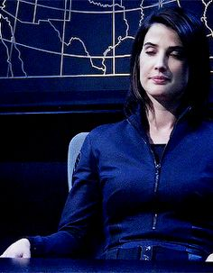 Agent Maria Hill. This haircut was really flattering on her.