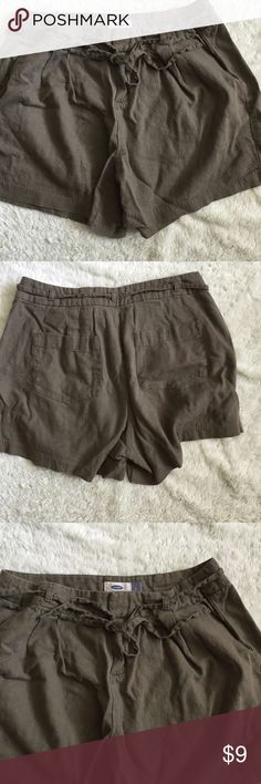Olive green linen shorts Cute shorts by old navy in size 2, green and super cute! Old Navy Shorts