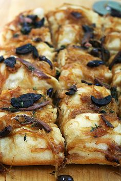 Pissaladière/Focaccia: What to Do With Past-Prime Lahey Pizza Dough  15 Comments / Appetizers, Baking, Bread, Lunch