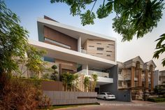 House in Jakarta by DP+HS Architects