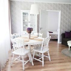 "Gefällt 31 Mal, 2 Kommentare - Gintare (@s_gintare) auf Instagram: ""#placetostay #interior #rentalproperty #rental #druskininkai #white #ikea #hemnes #light…"""