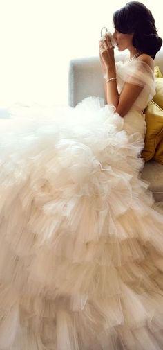 queenbee1924:  Monique Lhullier gown | Ruffles & Layers ❤ | Pinterest)