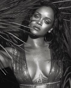 Rihanna 🖤 #mertandmarcus