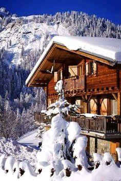 Chalet in the winter Winter Szenen, Winter Cabin, Alpine Chalet, Ski Chalet, Bergen, Crismas Tree, Chalet Style, Mountain Homes, Mountain Cabins