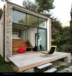 Monday, August by Spencer Peterson Photo via Tiny House Swoon As with pint-size living spaces the world over, this hillside studio in Turin, Italy, Tiny House Swoon, Modern Tiny House, Tiny House Design, Big Houses, Little Houses, Stacked Stone Walls, Casa Loft, Mini Loft, Microhouse