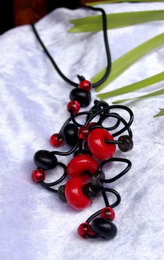 Red & Black Beaded  Pendant wire twist necklace $28.95 I Love Jewelry, Red Black, Wire, Jewellery, The Originals, Pendant, How To Make, Handmade, Etsy