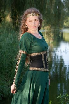 I found 'Forest Princess Belt - Medieval and Renaissance Clothing, Costume' on Wish, check it out! Costume Renaissance, Medieval Costume, Renaissance Clothing, Medieval Dress, Renaissance Fair, Medieval Fantasy, Celtic Costume, Medieval Archer, Renaissance Wedding
