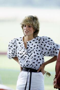 2017 sind Blusen mit Volumenärmeln wieder im Trend - hier Prinzessin Diana in den späten Achzigern