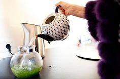 Angelika Taschen pouring tea