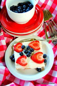 Miz Helen's Country Cottage: The Picnic Cake