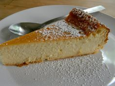 This super easy Italian cheesecake is the real deal. Not only it is delicious but very tasty. If you like cheesecake you are going to like this variation. Italian Pastries, French Pastries, Italian Ricotta Cheesecake, Ricotta Pie, Easy Desserts, Dessert Recipes, Gourmet Desserts, Plated Desserts, Food Plating