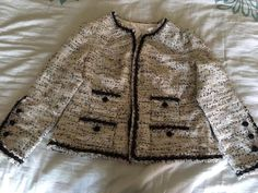 I made a classic french Channel Style jacket using Vogue 7975 that came with The Iconic Tweed Jacket Crafsty Class.
