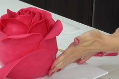Krásný dort ve tvaru růže – video-návod - snadnejidlo Cake Decorating Techniques, Cake Decorating Tutorials, Cookie Decorating, Fancy Cakes, Cute Cakes, Pink Cakes, Fondant Cakes, Cupcake Cakes, Fondant Rose
