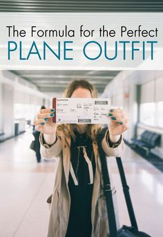 We turn to the top fashionistas to find the ultimate plane outfit that balances STYLE + COMFORT!