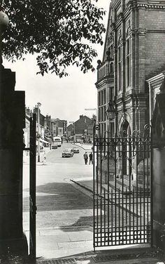 parish gates to hucknall high street