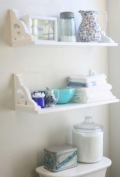 Diy bathroom shelving ideas both decorative and functional bathroom shelves with brackets diy small bathroom storage ideas Bad Wand, Diy Casa, Small Bathroom Storage, Small Bathrooms, Shelves For Bathroom, Small Baths, Bathroom Ladder, Narrow Bathroom, Kitchen Shelves