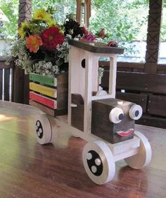 Garden wood projects - Vestido Tutorial and Ideas Woodworking Projects Diy, Wooden Crafts, Diy Wood Projects, Wooden Diy, Handmade Wooden, Wood Yard Art, Outdoor Crafts, Pallet Crafts, Wood Creations