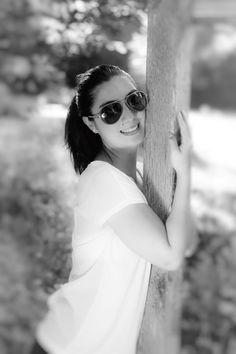 Tips On Buying Designer Sunglasses – Sunglasses Vault Black Sunglasses, Cat Eye Sunglasses, Round Sunglasses, Portrait Images, Portrait Photo, Image Club, Switzerland Trip, Summer Club, Outdoor Portraits