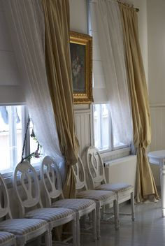 curtains Hotel Onni - Porvoo, Finland via Patonki Decor, Swedish Interiors, Diy Flooring, Provencal Decor, Hotel Inspiration, Swedish Design, Swedish Furniture, Gustavian Furniture, Diy Wood Floors