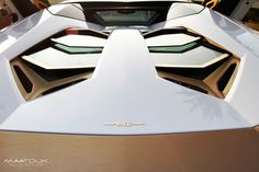 Super exotic cars and high-end Middle Eastern shops seem to go hand in hand with gold. The company behind this one-of-a-kind Lamborghini Aventador LP700-4 is Maatouk Design London.
