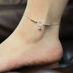 Ankle braclet :) perfect for the summer time
