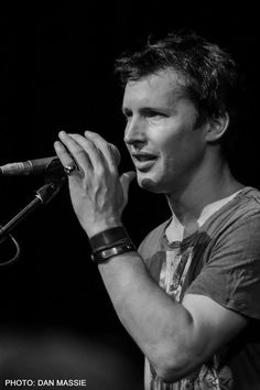 What a hottie James Blunt, Great Pic, Falling In Love With Him, Eric Clapton, Ed Sheeran, Singing, Writer, Romantic, Songs