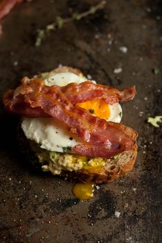 30 Second 'Poached' Egg on Bacon, Smashed Avocado and Rye Toast | Drizzle and Dip