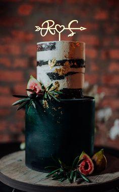 Beautiful Wedding Cakes, Green Wedding Cakes, Cake Wedding, Beautiful Cakes, Emerald Green Weddings, Monogram Cake Toppers, Green Cake, Rustic Wedding Cake Toppers, Fall Wedding Centerpieces