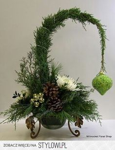 Fantastic Christmas decorations 20 ideas from natural materials :] nettetipps.d Fantastic Christmas decorations 20 ideas from natural materials nettetipps.de The post Fantastic Christmas Decoration 20 Christmas Flower Arrangements, Christmas Flowers, Christmas Centerpieces, Xmas Decorations, Christmas Wreaths, Christmas Tablescapes, Floral Arrangements, Grinch Christmas, Winter Christmas