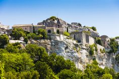 Les Baux-de-Provence   41 destinations qui vous feront redécouvrir la beauté de la France