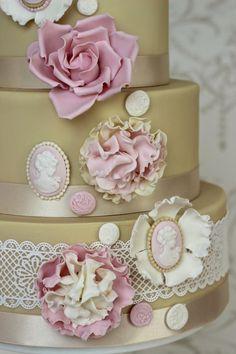 Vintage Cameo cake