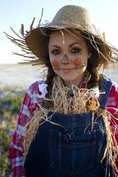Cool Halloween Scarecrow costume idea. You can find some of these items at your local Goodwill!