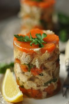 galaretka z kurczaka Polish Recipes, Polish Food, Jello, Bruschetta, Mashed Potatoes, Chicken Recipes, Gluten, Cooking, Ethnic Recipes