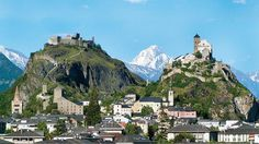 Sion/Sitten - Thanks to its central location, the small town abounding with culture is also an ideal starting point for exploring the summer and winter holiday resorts in the Valais side valleys.