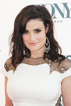 Idina Menzel at the 2014 Tony Honors Reception. She is one talented beautiful woman ❤️