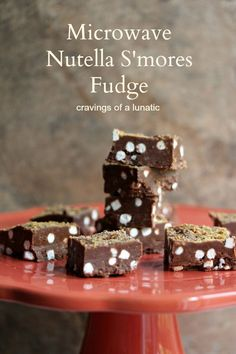 Microwave Nutella S'mores Fudge   Cravings of a Lunatic   #smores #nutella #fudge