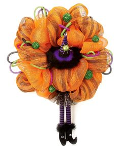 Nicole™ Crafts Witch's Feet and Hat Wreath #decomesh #wreath #Halloween! Beautiful!!!!