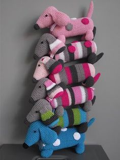 So Cute! (from the dutch description%u2026) A whole stack of little dachshund hooked, the fun every time a different color to invent. Now once again with something else to work for a change.